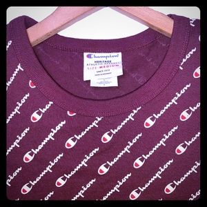 Champion All over Scrip Print T-Shirt C-Red